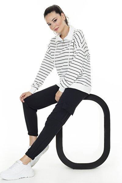 Kadın Beyaz Çizgili Dik Yaka  Sweatshirt