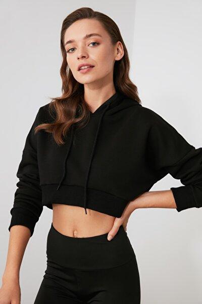 Siyah Kapüşonlu Crop Spor Sweatshirt TWOAW21SW0662