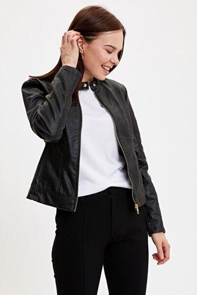 Kadın Black Red Regular Fit Fermuar Detaylı Suni Deri Ceket N6772AZ20AU