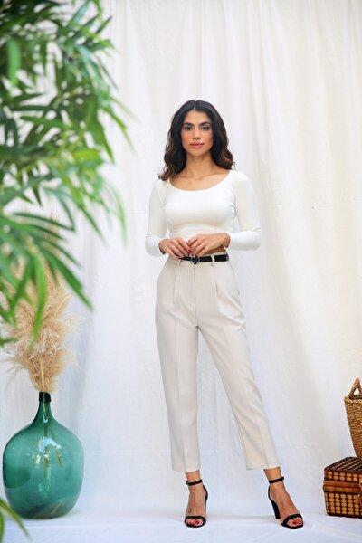 Kadın Beyaz Kemerli Havuç Pantolon