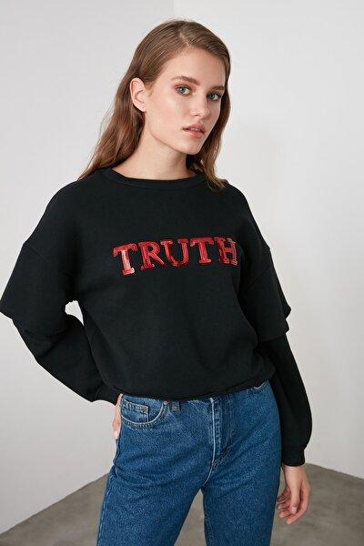 Siyah Kol Detaylı Payetli Basic Örme Sweatshirt TWOAW21SW0063