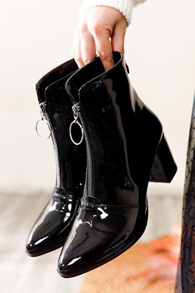 Kadın Siyah Rugan Topuklu Bot