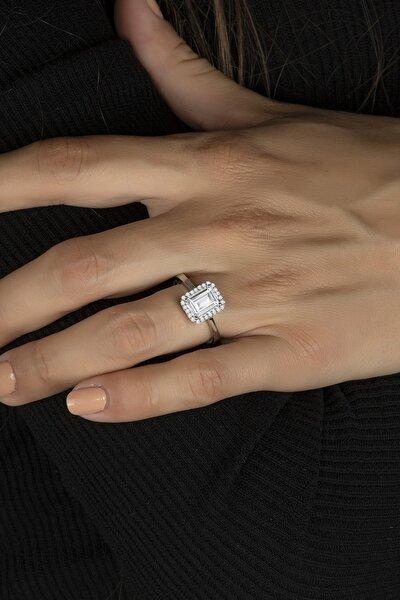 Baget Taşlı Özel Tasarım Tek Taş Gümüş Bayan Yüzüğü