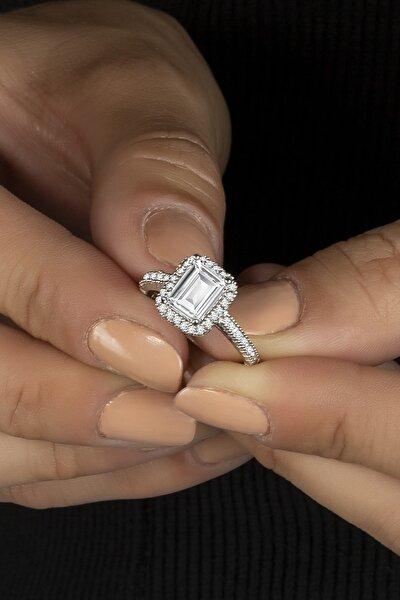 Tek Kol Pırlanta Modeli Baget Taşlı Gümüş Bayan Yüzüğü