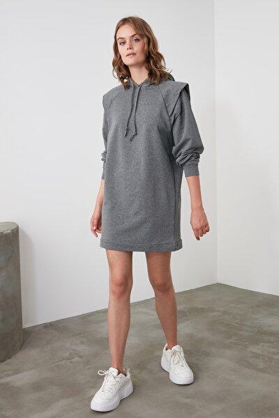 Antrasit Omuz Detaylı Oversize Örme Elbise TWOAW21EL1104