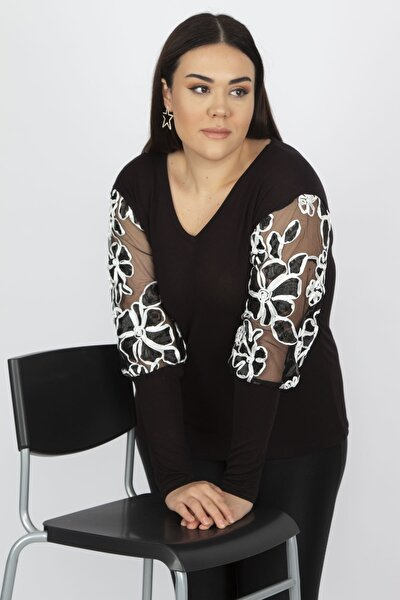 Kadın Siyah Kolları Suzineli Siyah Tül Aksesuar Detaylı Bluz 65N18226
