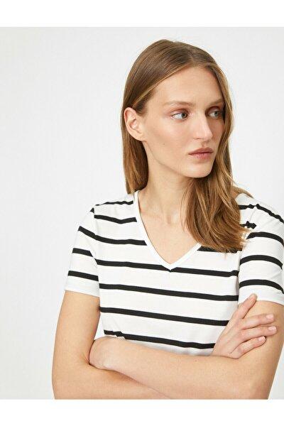 Kadın Beyaz Çizgili T-Shirt 0YAK13401YK