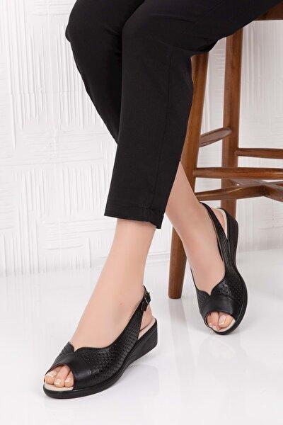 Kadın Siyah Hakiki Deri Tokalı Sandalet 41 Vdt.463