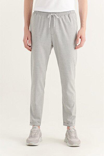 Erkek Açık Gri Yandan Cepli Beli Lastikli Kordonlu Düz Relaxed Fit Pantolon E003000