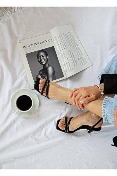 Kadın Siyah Bantlı Sandalet