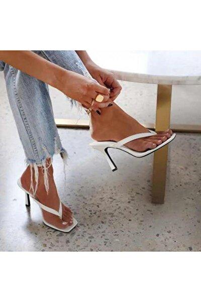Kadın Beyaz 10cm Topuklu Parmak Arası Küt Kare Burunlu Stiletto Ayakkabı Terlik Sandalet