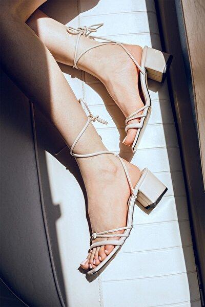 Kadın Ten Rengi Ipli Günlük Sandalet