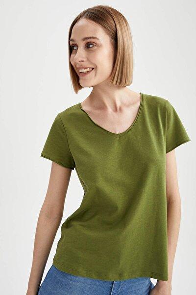 Basic V Yaka Relax Fit Kısa Kollu Tişört