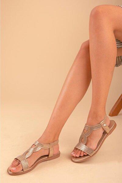 Önden Bantlı Taşlı Kadın Sandalet