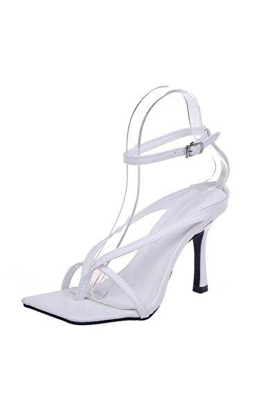 Kadın Beyaz 10cm Topuklu Küt Kare Burunlu Parmak Arası Tokalı Ayakkabı Sandalet Terlik