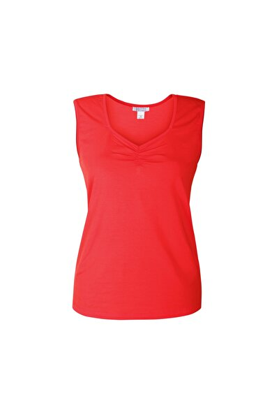 Kadın Kırmızı Yaka Detaylı Sıfır Kol T-shirt