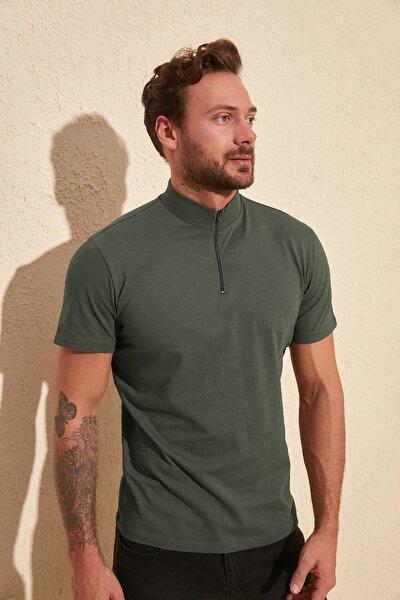 Haki Erkek Yakası Fermuarlı Slim Fit T-Shirt TMNSS20TS0016
