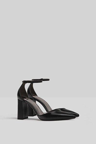 Kadın Siyah Blok Topuklu Bilekten Bantlı Ayakkabı