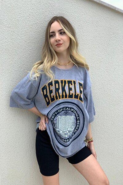 Kadın Oversize Berkeley Baskılı Tşhirt