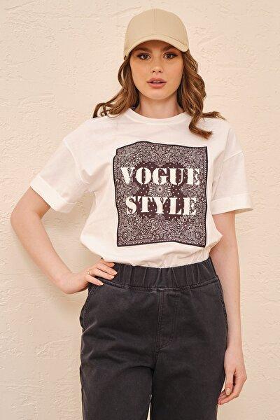 Kadın Beyaz Vogue Styl Nakışlı Pamuklu Yumuşak Dokulu T-shirt