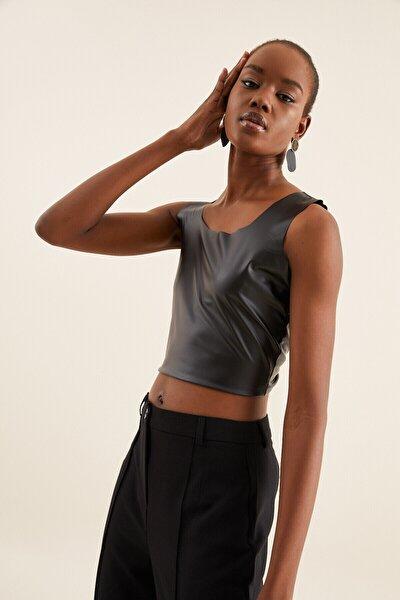 Kadın Siyah Deri Crop Bluz