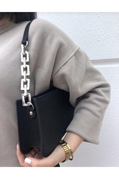 Kadın Siyah Zincir Detaylı Baget Omuz Çantası