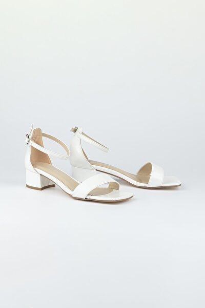 Kadın Beyaz Tek Bantlı Topuklu Ayakkabı