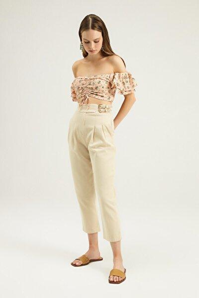 Kadın Taş Yanı Tokalı Pileli Pantolon