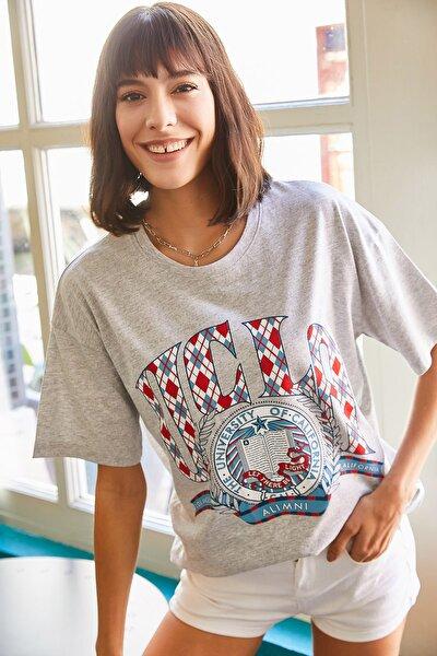 Kadın Gri Ucla Baskılı Tişört TSH-19000524