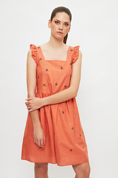 Nar Çiçeği Nakışlı Elbise TWOSS21EL4084