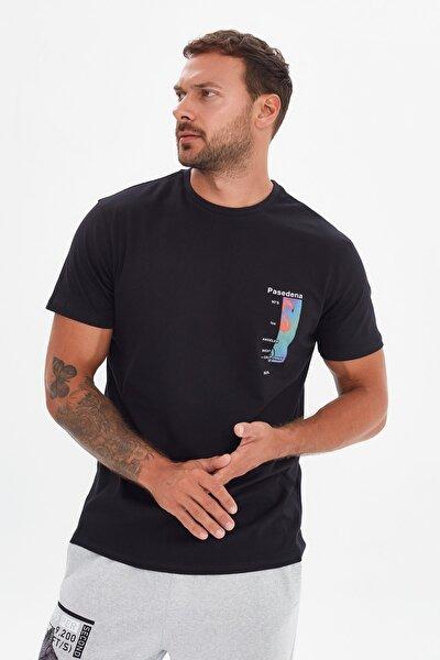 Siyah Erkek Regular Fit Kısa Kollu T-Shirt TMNSS21TS3534