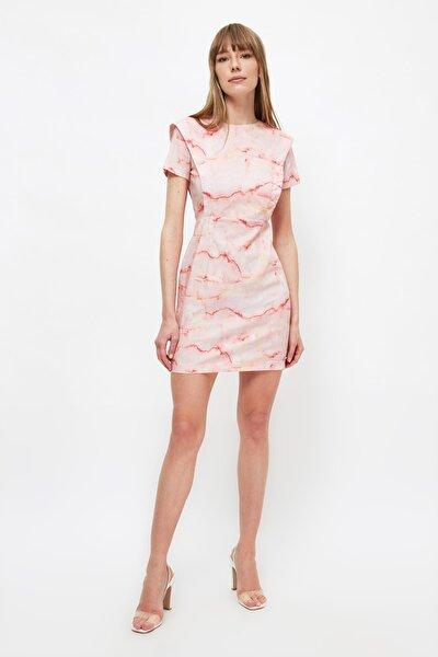 Çok Renkli Desenli Omuz Detaylı Elbise TWOSS21EL4190