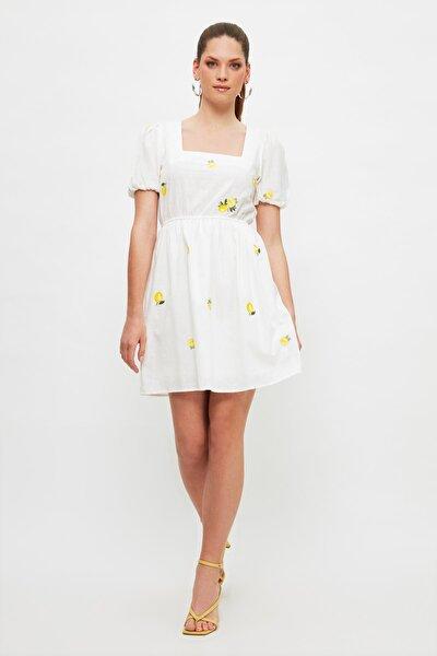 Ekru Nakışlı Elbise TWOSS21EL4023