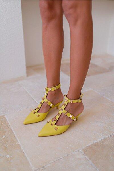 Kadın Sari Piramit Ökçeli Sandalet