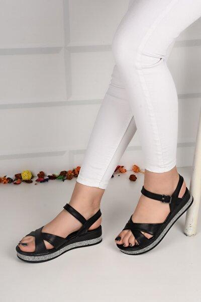 Kadın Siyah Deri Taşlı Düz Taban Çapraz Sandalet Ba21054
