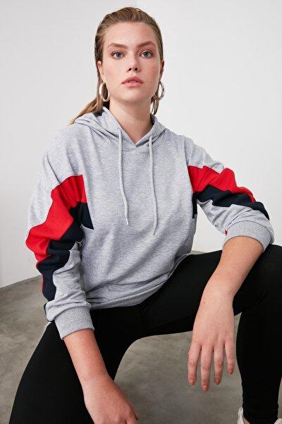 Gri Renk Bloklu Boyfriend Örme Sweatshirt TWOAW20SW0075