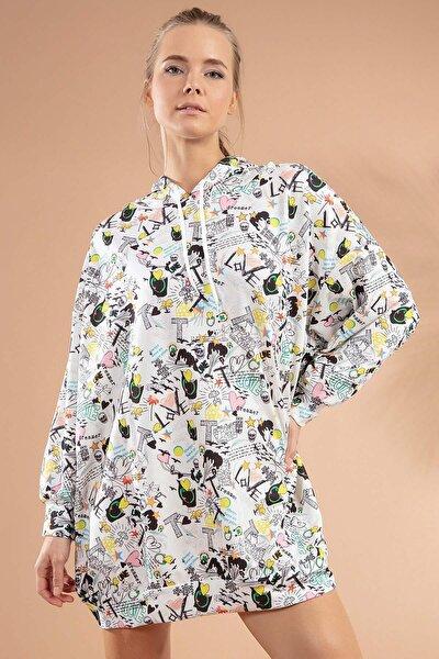 Kadın Beyaz Siyah Baskılı Kapşonlu Beyaz Sweatshirt Elbise Y20W110-4125-25