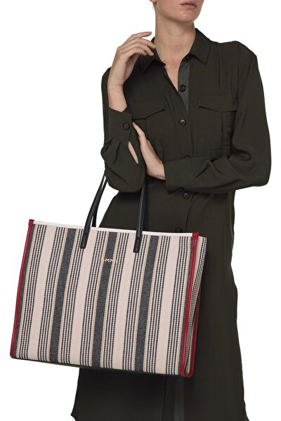 Kadın Beyaz Omuz Çantası Tommy Beach Bag Strıpe AW0AW08223