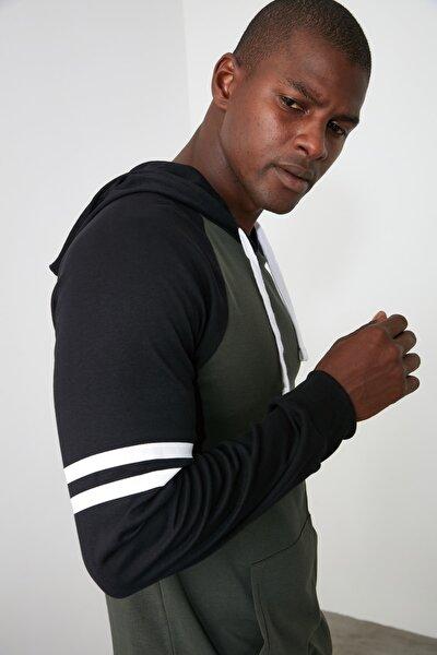 Haki Erkek Regular Fit Kapüşonlu Kanguru Cepli Uzun Kollu Reglan Kollu T-Shirt TMNAW20SW0243