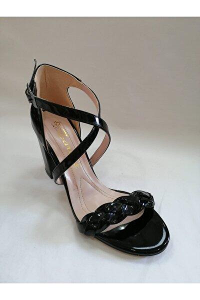 Kadın Siyah Tek Bant Capraz Bağlama Ayakkabı