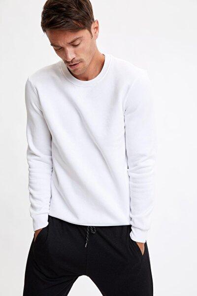 Erkek Whıte Bisiklet Yaka Regular Fit Basic Sweatshirt R6410AZ20AU
