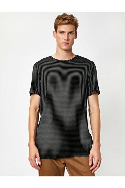 Erkek Siyah Çizgili Kısa Kollu Basic  T-Shirt