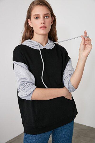 Siyah Renk Bloklu Oversize Örme İnce Sweatshirt TWOAW21SW0138