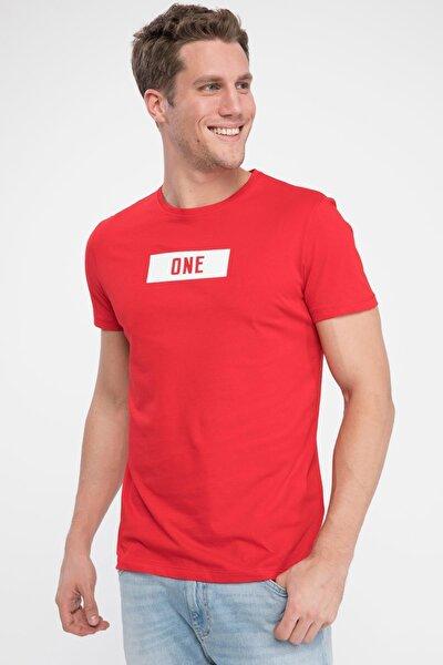 Erkek Kırmızı One Yazılı Slim Fit T-shirt K5091AZ.19SP.RD2