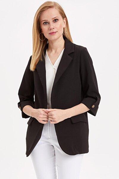 Kadın Siyah Kolları Düğmeli Ceket L1971AZ.19SM.BK46