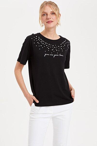 Kadın Siyah Baskılı Kısa Kollu T-shirt L0090AZ.19SM.BK27