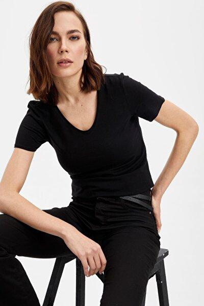 Kadın Siyah V Yaka Basic T-Shirt I1073AZ.20SP.BK27