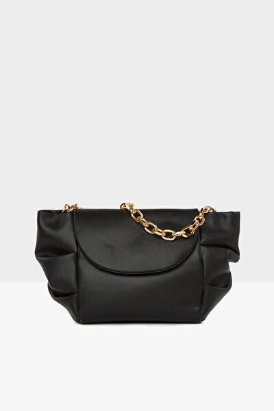 Kadın Siyah Yandan Pilili Askılı Çanta M000005128