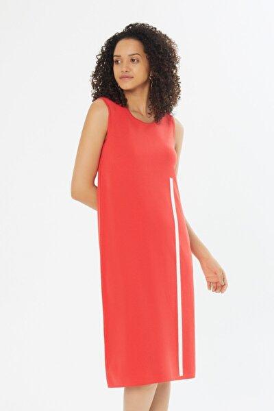 Şeritli Kolsuz Triko Elbise