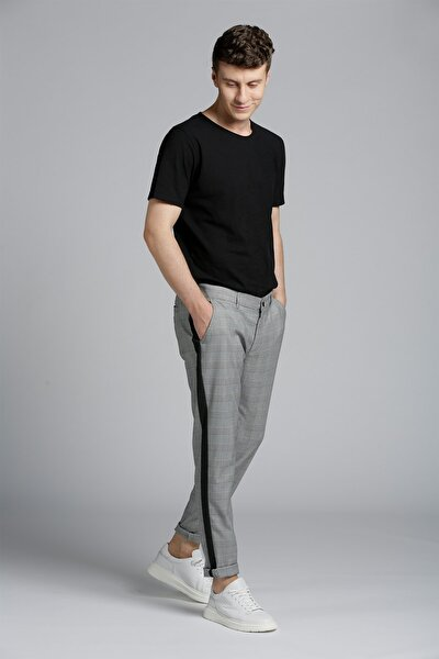 Erkek Gri Ekose Siyah Şeritli Standart Kesim Pantolon